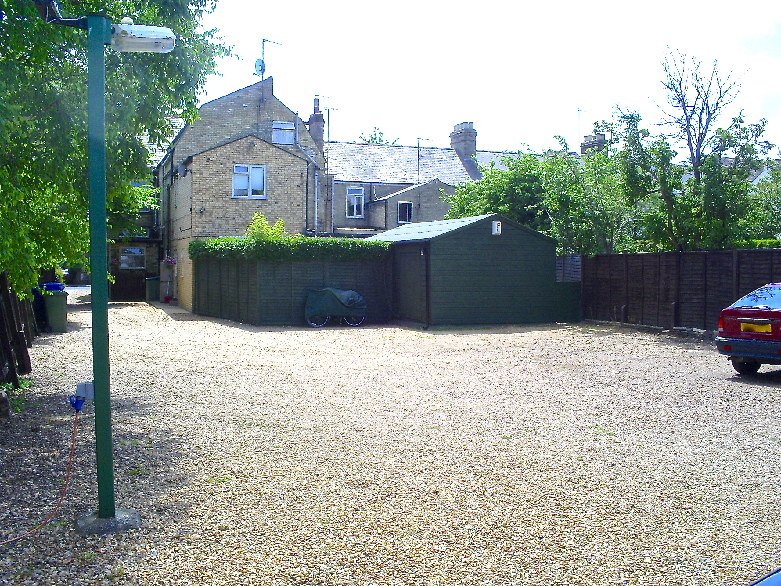 Private parking for rent in Cambridge Cherry Hinton Road area.