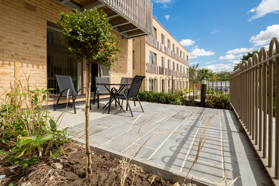 Cambridge Central Apartment